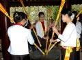 Игра на бронзовых барабанах жителей народности мыонг, проживающих в провинции Футхо