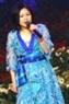 """Rimi Natsukawa, giọng ca được nhiều lứa tuổi yêu thích hát  """"Nước mắt tuôn rơi"""" và """"Thần hộ mệnh của trẻ thơ""""."""