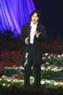 """Ca sĩ Akikawa Masafumi sâu lắng qua hai bài hát: """"Trở thành hàng nghìn cơn gió"""", """"Chòm sao kim ngưu""""."""