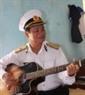 Nét yêu đời của Chuẩn Đô đốc Nguyễn Cộng Hòa, Phó Chính ủy Quân chủng Hải quân trong những ngày ở đảo Trường Sa.