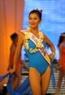 Thí sinh Hoàng Thị Thu Hường đến từ Lạng Sơn trong phần thi áo tắm.