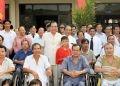 Tổng Bí thư Nông Đức Mạnh với thương, bệnh binh tại Trung tâm điều dưỡng thương binh và người có công Long Đất, thị trấn Long Hải, tỉnh Bà Rịa-Vũng Tàu.