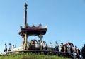 Lễ viếng, dâng hương, hoa tại đài tưởng niệm Thành cổ Quảng Trị.
