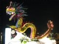 Thăng Long-Hà Nội nghìn năm văn hiến qua hình tượng rồng bay được kết bằng nhiều loại hoa.