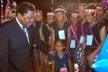 ユネスコ代表G・Y・ムゴメズル氏とタイグエンの各民族の人々