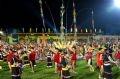 タイグエン銅鑼祭りの夕べの行われているスタジアム
