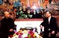 Премьер-министр Фан Ван Кхай принимает монаха Тхить Нят Хань