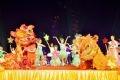 """Màn múa của các em nhỏ Câu lạc bộ Họa Mi mở màn chương trình Trung thu ở """"xứ sở thần tiên"""", Công viên Thiên đường Bảo Sơn-Hà Nội. Ảnh: Vũ Hiếu"""