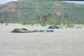 Mưa lớn đã làm mực nước các sông dâng cao, lưu vực sông Hà Thanh và sông Kôn (Bình Định) chìm trong biển nước từ 1m đến 5m. Đường từ Quy Nhơn về các huyện không đi lại được.