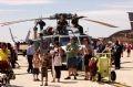 Tại Airshow 2010, du khách được thoải mái chiêm ngưỡng những chiếc máy bay chiến đấu thế hệ mới.