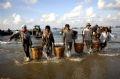 Ранним утром лодки причаливают, сразу же выгружают рыбу и отвозят ее на рынок