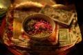 Простое приношение состоит из риса, постной еды и ритуальных денег