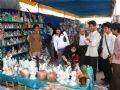 Выставка-продажа каменных сувениров, сделанных в местечке Нгуханьшон
