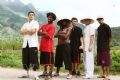 Tên của các thành viên trong nhóm «La 6 Step Cie», tính từ trái sang: Benamur Saber, Movala Florian, Seidou Nelly, Garcia Ludovic, Leclercq Renald, Bensani Said.