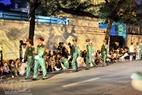Lực lượng an ninh tham gia bảo đảm trật tự trên đường phố.