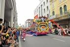 Người dân náo nức xem lễ diễu binh, diễu hành lớn nhất trong lịch sử