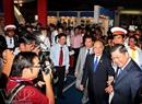 Phó Thủ tướng Nguyễn Sinh Hùng đến dự khai mạc Triển lãm.