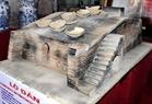 Mô hình lò đàn, một loại lò gốm cổ vừa được làng gốm Bát Tràng phục dựng và trưng bày tại Triển lãm.