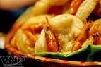 Bánh tôm Hồ Tây, đặc sản đất Thăng Long.