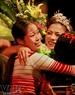 Những giọt nước mắt hạnh phúc của thí sinh Trần Thị Huệ đến từ Hà Nam khi biết mình giành ngôi hậu.