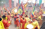 St. Giong Festival is annually held in many locations in Hanoi and its surrounding areas, of which the St. Giong Festival at Soc Temple is the biggest one (it is believed that Soc Temple is the place where Saint Giong flew to Heaven after defeating the invaders), during the 6th – 8th day of lunar January.