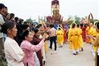 Lời chào của các đoàn dành cho nhau khi đoàn khác đi qua làng mình trong đám rước ngày tan hội.