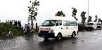 Xe cấp cứu nhanh chóng tiếp cận hiện trường để cứu người bị nạn.