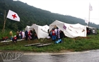 Các lều y tế cơ động được dựng lên ở nhiều nơi.