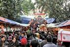 Hàng ngàn khách thập phương nô nức kéo nhau đi lễ Đền bà Chúa Kho dịp đầu Xuân Tân Mão 2011.
