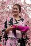 着物を着ている日本人の少女
