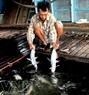Một con cá tra tra nuôi ở vùng nhiễm mặn đến kỳ thu hoạch nặng chừng 1kg.