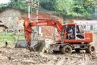 Ngay sau khi lũ quét tràn qua, chính quyền địa phương đã chỉ đạo khắc phục hậu quả, giúp dân vùng bị ảnh hưởng sớm ổn định cuộc sống.