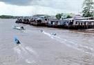 Cảnh sinh hoạt ở thị trấn Năm Căn, nơi xuất phát của những con thuyền ra Mũi Cà Mau.