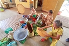 Nhiều cụ còn khỏe mạnh vẫn mong muốn được làm một công việc gì đó trong trung tâm, dù chỉ là việc nhỏ như nhặt rau, vo gạo…
