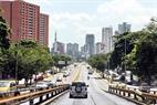 Caracas cuenta con muchos árboles alrededor de las calles.