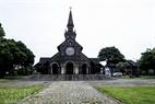 Nhà thờ gỗ Kon Tum được xây dựng vào năm 1913 với những đường nét kiến trúc độc đáo.