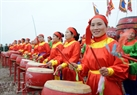 The women's drum band of Doi Tam Village participates in the festival.
