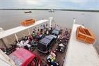 Phà Tắc Cậu - Xẻo Rô từ bờ Xẻo Rô vượt sông Cái Lớn.