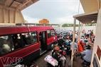 Hành khách trên phà Tắc Cậu - Xẻo Rô.