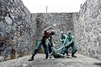 コンダオ刑務所での「4ピラー」の拷問スタイル