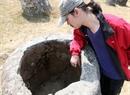 Ces jarres restent depuis longtemps comme un défi pour les archéologues et les chercheurs pour la raison de leur apparition.
