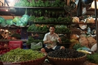 The area selling vegetables, fruits and bulbs at Long Bien market.