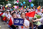 2nd grade pupils at Thai Thinh Primary School welcome the new pupils.