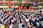 Panoramic view of the opening ceremony at Thai Thinh Primary School.