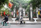 Le Loi Temple (near Hoan Kiem Lake) is decorated with five-colored flags. Photo: Thanh Giang