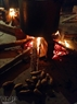 Le feu tiède de la marmite de gâteaux chung apporte l'atmosphère du Têt plus tôt aux institutrices et enfants de l'école maternelle Son Ca Dinh Công - Hanoi.