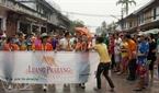 Luang Prabang古都で行われる水かけ祭りは毎年、4月14日から16日まで行われる。
