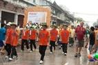 Une procession de la fête de l'eau à Luang Prabang.