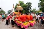 老挝人认为沷水给新的一年带来好运和幸福。