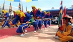 Ритуальное пение и танцы бачао, рассказывающие о походе морских отрядов Хоангша